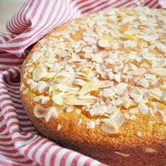 Torta ricotta e mandorle #ricetteaquadretti #thisishome