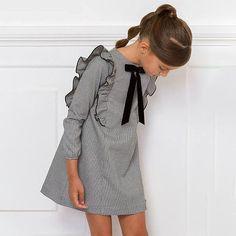 Girl Fashion Style, Little Girl Fashion, Toddler Fashion, Kids Fashion, Little Girl Style, Cute Girl Dresses, Little Girl Dresses, Baby Dress Design, Kids Winter Fashion