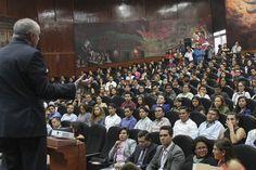 Miguel Carbonell imparte conferencia en la UAQ    http://ift.tt/2n1Dmf0