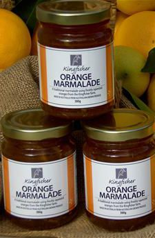 Orange Marmalade - Kingfisher. Kingfisher Orange Marmalade is a sweet, traditional marmalade that tastes great on fresh bread or hot buttered toast. Heated, it makes a perfect glaze for orange cakes or drizzle as a topping over desserts. #FarmhouseAU #Kingfisher #citrus #oranges #marmalade #tasty #foodie #snack #toast #dessertideas #australiangrown