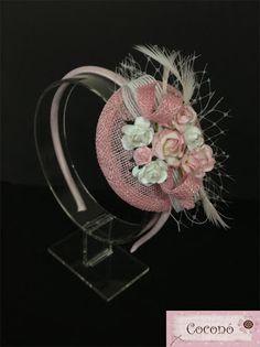 Tocados COCONÓ : - Comunión Bridal Fascinator, Bridal Hat, Fascinator Hats, Fascinators, Headpieces, Fabric Flowers, Paper Flowers, African Hats, Cocktail Hat