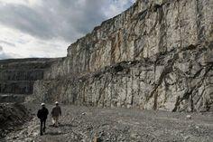 Québec meilleure mine demande l'adoption de la réforme minière Canada, Mount Rushmore, Adoption, Articles, Mountains, Nature, Travel, Foster Care Adoption, Naturaleza