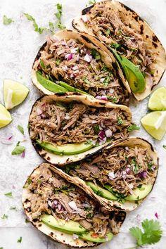 Slow Cooker Pork Carnitas (Mexican Pulled Pork) - Skinnytaste Mexican Pork Recipes, Pulled Pork Recipes, Ww Recipes, Slow Cooker Recipes, Crockpot Recipes, Cooking Recipes, Healthy Recipes, Skinnytaste Recipes, Skinnytaste Slow Cooker