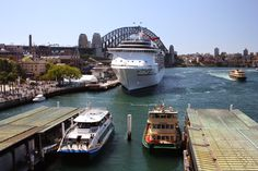 Sydney - City and Suburbs: Circular Quay, ship and ferries