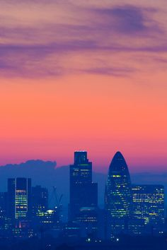 Skyline | London, UK | Learn English http://eurotalk.com/en/store/learn/english