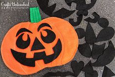 DIY Halloween : DIY Felt Pumpkin Face