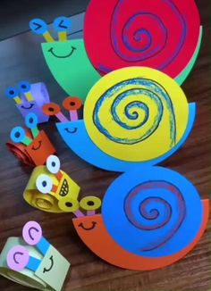 Click below to GET MORE >>>> paper flowers craft paper christmas crafts diy paper craft to sell paper decorations diy poinsettia paper day crafts for kids craft flowers paper making paper stars making paper stars giant flower paper paper scrapbook Folded Paper Flowers, Paper Flowers Craft, Paper Crafts For Kids, Craft Activities For Kids, Paper Crafts Origami, Flower Crafts, Fun Crafts, Flower Paper, Craft Ideas