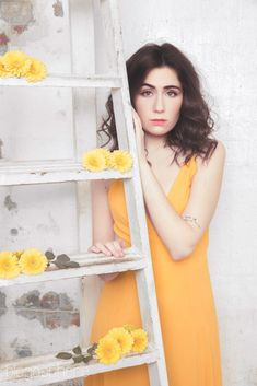 She's so fucking beautiful, so incredibly proud 💛 Dodie Clark, Pretty People, Beautiful People, Perfect People, Amazing People, Freckles And Constellations, Polaroid Pictures, Her Music, Girl Crushes