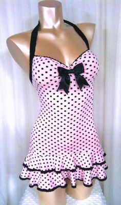 Polka Dot Mini Dress Sweetheart Neckline Double by noelleborelli - Swim Dress - Ideas of Swim Dress Vintage Swimsuits, Cute Swimsuits, Vintage Bathing Suits, Look Rockabilly, Rockabilly Fashion, Vintage Dresses, Vintage Outfits, Vintage Fashion, Lingerie