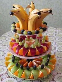 Best fruit vegetable veggie tray ideas for parties fun vegan food recipes Fruit Recipes, Cooking Recipes, Cooking Tips, Good Food, Yummy Food, Fun Food, Delicious Fruit, Veggie Tray, Food Decoration