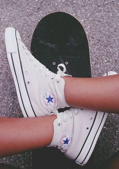 I really want white converse...