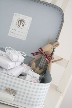 Advent suitcase, fun idea. Pretty gingham suitcase. | by herz-allerliebst http://www.flickr.com/photos/24285065@N02/