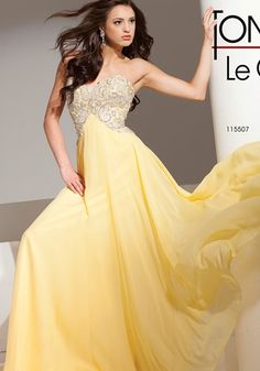 Dance the night away in this velvet chiffon gown from Tony Bowls Le Gala. Best Prom Dresses, Homecoming Dresses, Party Dresses, Cute Dresses, Formal Dresses, Yellow Gown, Tony Bowls, Chiffon Gown, Casual Summer Dresses