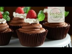 How to Make Chocolate-Raspberry Mousse Cups