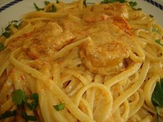 Betty's Cuisine: Γαριδομακαρονάδα Greek Recipes, Fish Recipes, Greek Beauty, Spaghetti, Cooking Recipes, Pasta, Favorite Recipes, Ethnic Recipes, Foods