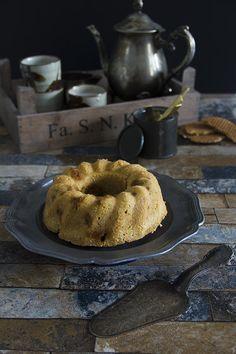 De stroopwafelcake, je kent hem vast wel. Wist je dat je die ook net zo makkelijk gewoon zelf maakt?! Een overheerlijke cake.