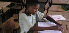A distance learner attending a tutoring session in Mozambique. The Open Educational Resources portfolio makes grants to make high-quality educational materials available for free, anywhere in the world. Photo: Rosario Passos