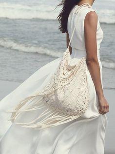 sac-bohème-chic-crochet-franges-blanches-robe-assortie