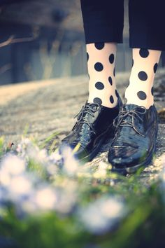 Love the socks with trousers and oxfords!!!