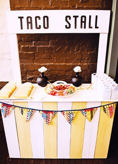 Taco Stall // Your Guide to Hosting a Chic Cinco de Mayo Party // entertaining, parties, tacos, taco station