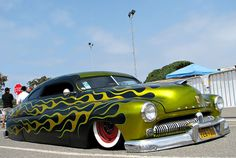 Reminds Me of the Street Rods From PA   They Sure don't know how to pair colors Lol!