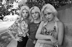 San Fernando Valley Girls With Marie Currie, Vicki Razor Blade and Cherie Currie, 1977 http://www.vogue.fr/photo/le-portfolio-de/diaporama/le-portfolio-de-brad-elterman/15071/image/817500#!2