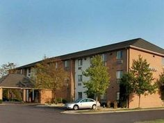 Hobart (IN) Comfort Inn United States, North America Set in a prime location of Hobart (IN), Comfort Inn puts everything the city has to offer just outside your doorstep. The hotel offers a wide range of amenities and perks to ensure you have a great time. Service-minded staff will welcome and guide you at the Comfort Inn. Guestrooms are designed to provide an optimal level of comfort with welcoming decor and some offering convenient amenities like whirlpool bathtub, air condi...