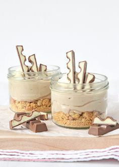 no bake kinder chocolade mini cheesecakes (Laura's Bakery) Sweet Desserts, Sweet Recipes, Delicious Desserts, Yummy Food, Baking Recipes, Dessert Recipes, Mini Cheesecakes, Dessert Blog, Crack Crackers