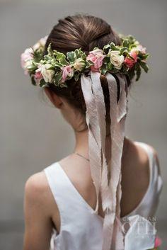 Spray rose, ivy and ribbon flower crown: http://www.stylemepretty.com/2015/07/27/classic-elegant-new-york-city-wedding/ | Photography: Christian Oth Studio - http://www.christianothstudio.com/