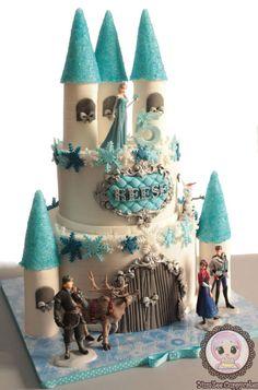 Frozen Castle cake - Cake by YumZee_Cuppycakes - CakesDecor