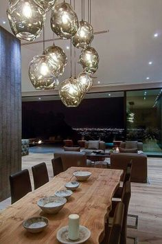 Rustic modern dining table lighting black leather chairs hanging Source by manzlei Modern Rustic Dining Table, Interior Architecture, Interior And Exterior, Dining Table Lighting, Dining Tables, Dining Area, Kitchen Lighting, Dining Rooms, Outdoor Lighting