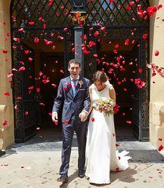 Buenos días!!! Contentísima de recibir las primeras imágenes de la #boda de Ana! Pronto lo veremos en un nuevo post  #ateliercarmensotothebride #noviascarmensotothebride #vestidoscarmensotothebride #vestidosamedida #diseñospersonalizados