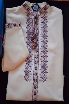 Embroidery Neck Designs, Embroidery Sampler, Hardanger Embroidery, Embroidery Dress, Cross Stitch Embroidery, Hand Embroidery, Dress Neck Designs, Blouse Designs, Polish Embroidery