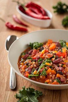 "Rezept: Veganes Chili con Buchweizen aus ""A Grain, a Green and a Bean"""