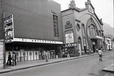 [Teatros Bogotá y Faenza] / Manuel H / c.a. 1975 / Colección Museo de Bogotá: MdB 12151 / Todos los derechos reservados 1975, Liverpool, Broadway Shows, San, Theatres, Bogota Colombia, Antique Photos, Souvenirs, Places To Visit
