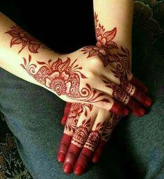 Mehndi is something that every girl want. Arabic mehndi design is another beautiful mehndi design. We will show Arabic Mehndi Designs. Henna Designs Feet, Finger Henna Designs, Simple Arabic Mehndi Designs, Mehndi Designs For Beginners, Mehndi Designs For Girls, Mehndi Design Photos, Mehndi Simple, Mehndi Designs For Fingers, Dulhan Mehndi Designs