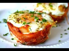 Mini Bacon Egg Toast Breakfast Cups: Mothers Day Brunch- def trying this tomorrow!