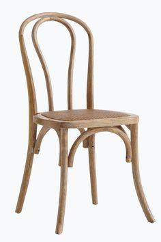Tuolit massiivijalavaa, istuinosa pehmustettua rottinkia. Korkeus 90 cm. Leveys 48 cm. Syvyys 54 cm. Istuinkorkeus 46 cm. Istuinsyvyys 41 cm. Toimitetaan koottuna. <br><br>