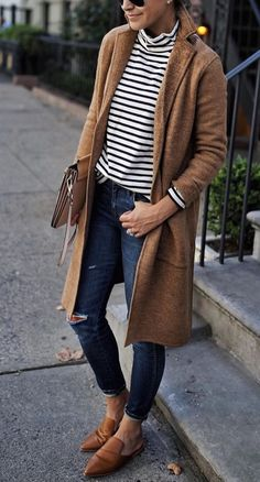 casual outfits for fall - Styling - Winter Mode French Chic Outfits, Classy Fall Outfits, Winter Outfits Women, Winter Jackets Women, Casual Winter Outfits, Classic Fashion Outfits, French Outfit, Sweater Weather, Stil Inspiration