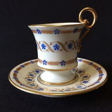 Tasse et sous-tasse porcelaine de Paris décor Marie-Antoinette Barbeaux XIXe