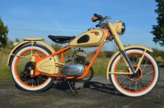 Csepel 125 D from 1957 by pendofsky Bike Engine, Old And New, Motorbikes, Harley Davidson, Cars, Vehicles, Motorcycles, Style, Dressmaking
