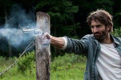 """""""Open Grave"""" teve divulgado trailer e cartaz http://cinemabh.com/trailers/open-grave-teve-divulgado-trailer-e-cartaz"""