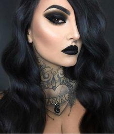 schwarzer lippenstift make-up gothic black lipstick makeup gothic ; Goth Beauty, Beauty Makeup, Pin Up Makeup, Sexy Makeup, Makeup Ideas, Black Lipstick Makeup, Black Goth Makeup, Gothic Eye Makeup, Makeup Looks