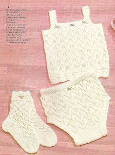DE MIS MANOS TEJIDOS Y MAS...: Muda blanca para bebes escote cuadrado Knitting For Kids, Baby Knitting, Crochet Baby, Style Baby, Heirloom Sewing, Lace Shorts, Christmas Stockings, Knitting Patterns, Diy Crafts