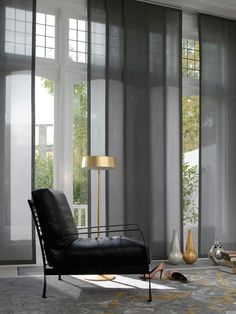These wonderful Japanese curtains are perfect for almost any room and can enhance your decorative tastes easily and quickly. Modern Blinds, Modern Curtains, Curtains With Blinds, Panel Curtains, Home Interior, Decor Interior Design, Panel Blinds, House Blinds, Minimalist Home Decor