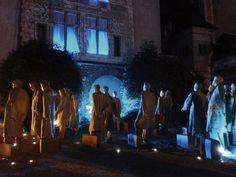 Philipe Leduc - Atelier Lucie Lom Scénographie - Les rêveurs   50 personnages installés dans des rues  Angers (FRANCE) 2001