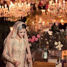 Beautiful Bride @marykazmi in a signature @farazmanan Bridal #farazmanan #bridal #royal #classic #beautiful #hautecouture #lahore #dubai #mydubai #islamabad #ig #instafashion #instadaily #instagood
