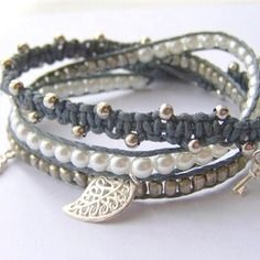 Bracelet wrap PauLine gris, blanc, argenté.