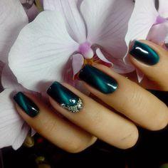 ideas eye cat nails gel for 2019 Fabulous Nails, Gorgeous Nails, Pretty Nails, Cat Eye Nails Polish, Cat Nails, Gel Polish, Fingernail Designs, Nail Art Designs, Nails Design