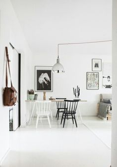 Kitchen Dining, Dining Room, White Houses, Scandinavian Interior, Interior Design Inspiration, New Homes, Gallery Wall, Interior Designing, Spaces